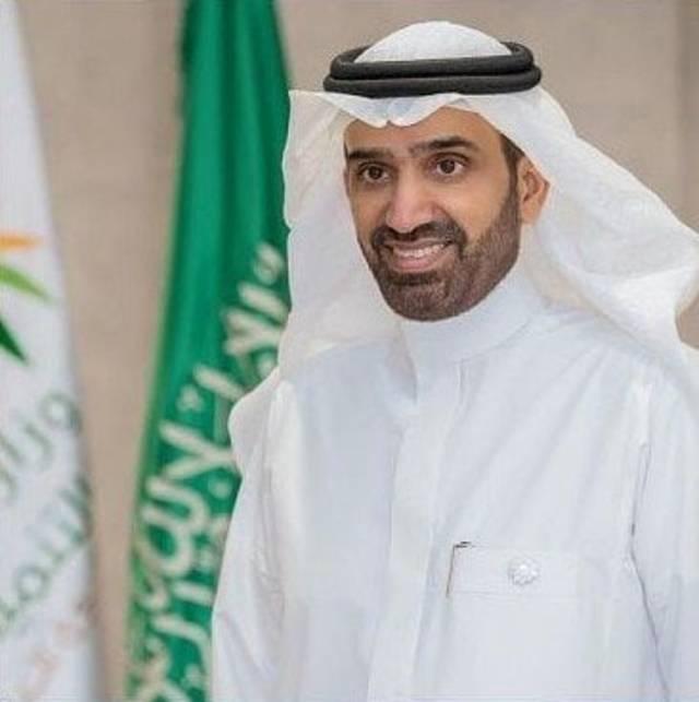 #السعودية | وزير الموارد البشرية يصدر قرارًا وزاريًا بوضع حد أدنى للاحتساب في نسب التوطين لمهنتي طب الأسنان والصيدلة